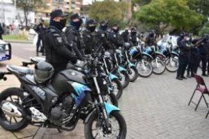 Berni y Lucas Ghi en el acto de presentación de patrulleros y motos