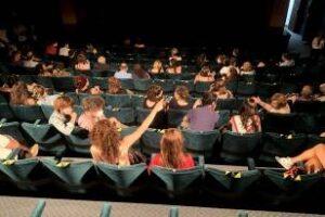 Los Teatros, cines y centros culturales funcionan con un 50%